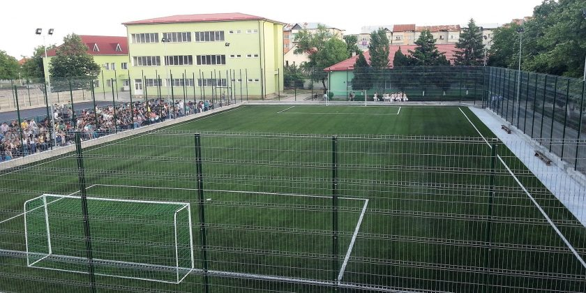 Gazon sintetic pentru fotbal în Slatina